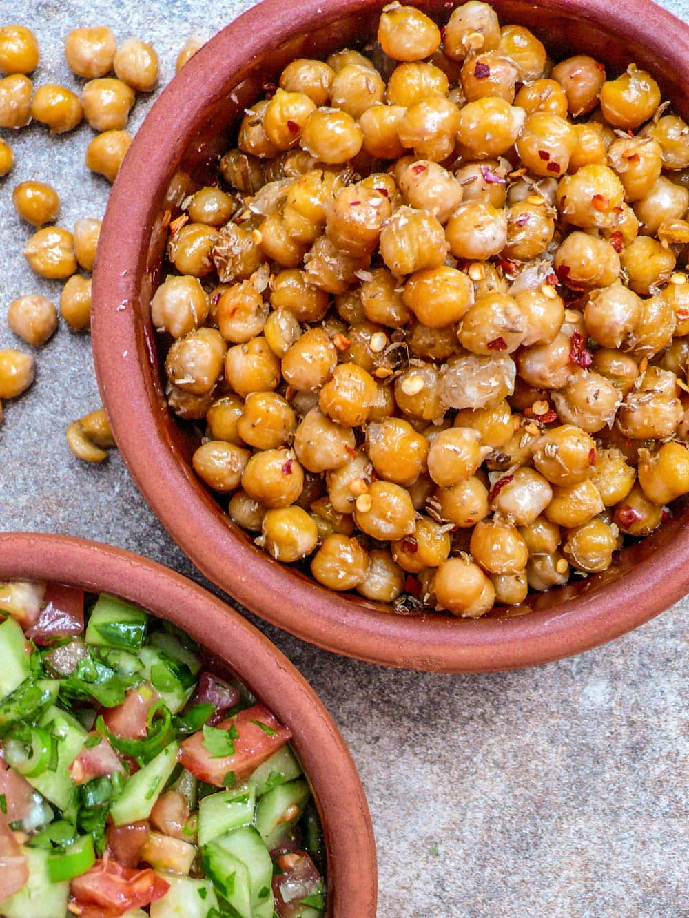 Spiced chickpeas with chopped salad - Recipe / A kitchen in Istanbul