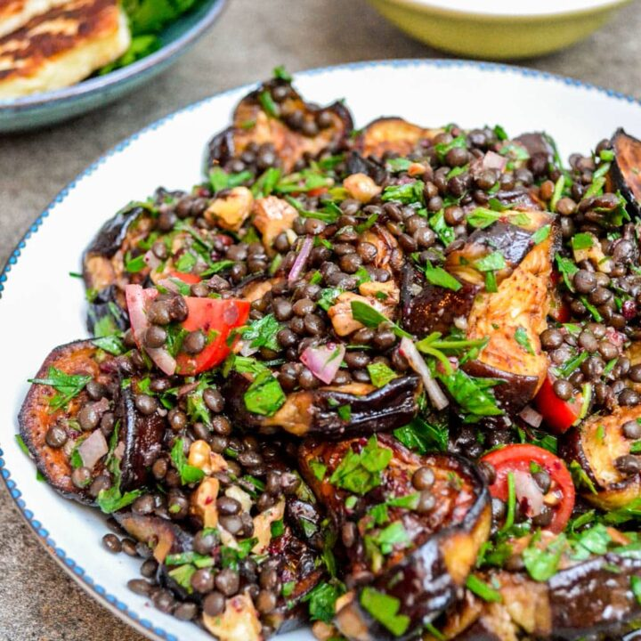 Lentil salad with aubergine - recipe / A kitchen in Istanbul