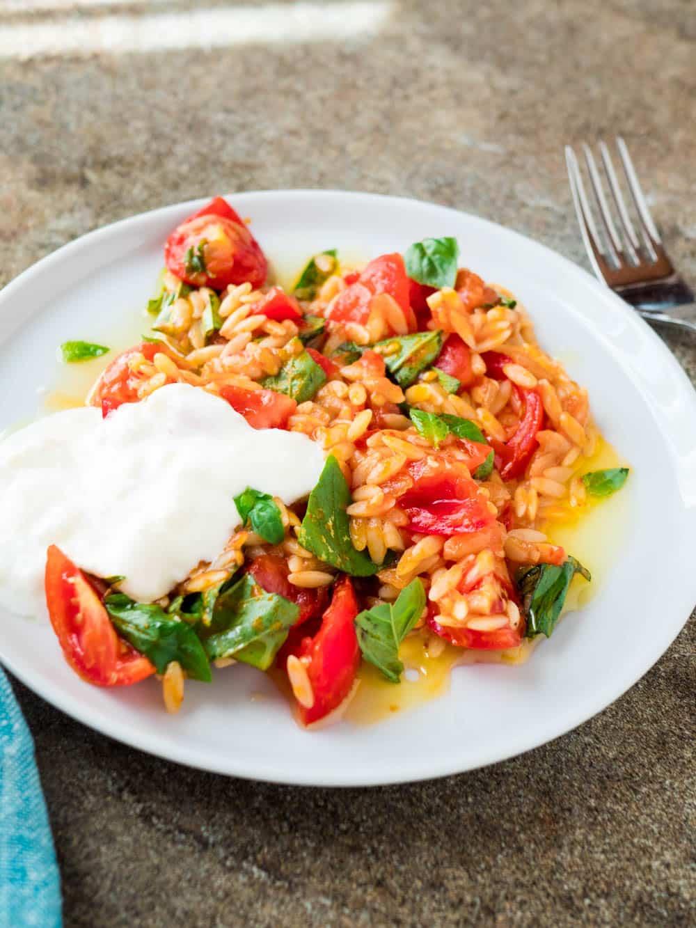 Tomato with risoni pasta and feta yoghurt - recipe / A kitchen in Istanbul